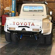 How To Have A Great Auto Repair Experience Toyota Pickup 4x4, Toyota Trucks, Toyota Cars, Toyota Hilux, Mini Trucks, Custom Trucks, Cool Trucks, Pickup Trucks, Land Cruiser Pick Up