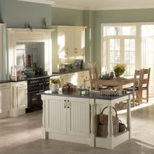 check out our latest sheraton kitchen sale ramsbottom Paint For Kitchen Walls, Kitchen Cabinet Colors, Kitchen Colors, Kitchen Cabinets, Kitchen Sale, New Kitchen, Traditional Kitchen Inspiration, Traditional Kitchens, Modern Traditional