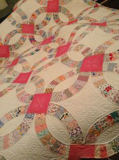 Timberlinequilting.com. Vintage double wedding  ring quilt. Gammill Statler long arm machine quilting.