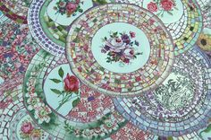 Broken Plate Mosaic table top. By Valerie Bourrianne, France. www.elle-mosaique.com