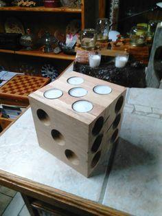 Cube of tealight Wood Tea Light Holder, Modern Candle Holders, Wood Candle Holders, Wood Pallet Furniture, Wood Pallets, Woodworking Wood, Woodworking Projects, Wood Dice, Cork Crafts