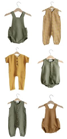 Irina Pushko is the designer and maker behind one of Etsy's most wonderful clothing stores for children, Dannie and Lilou. Toddler Boy Fashion, Toddler Girl Outfits, Baby Outfits Newborn, Kids Fashion, Diy Newborn Clothes, Sewing Baby Clothes, Cute Baby Clothes, Outfits Niños, Kids Outfits