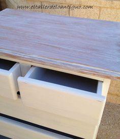 Pintar pino en Decapé blanco - **El Taller de lo Antiguo Vintage Industrial Furniture, Sweet Home, Bench, Storage, Diy, Home Decor, Interior, Tela, Paint Wood Furniture