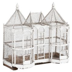I would love to own this big bird house