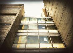 """Structurated triste Beauty #frankfurt #bockenheim #brutalism #brutal_architecture #brutalistarchitecture #moderndesign #modernism #modernistarchitecture…"""