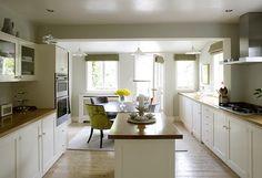 Kitchen Narrow Cabinet Kitchen, Kitchen Redo, Kitchen Cupboards, Kitchen Styling, New Kitchen, Rustic Kitchen Faucets, Portable Kitchen Island, Kitchen Installation, Kitchen Models