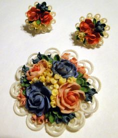 SEA SHELL VINTAGE TINY hand made Flower Brooch & Earring set