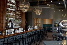Top 20 Wine Bars in America: Kansas City, MO - Ça Va Bubbles: be it the wine or the Champagne cocktails—are the raisons d'être of this popular bar. #wines #vino #winetasting #winetime #winebars #wineries #winelover