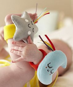 Newborns will love hearing the rewarding fun jingles on the Baby Sensory Say Hello wrist and ankle r. Baby Play, Baby Toys, Discovery Toys, Baby Sense, Baby Sewing Projects, Step Kids, Fabric Toys, Handmade Baby, Diy Baby