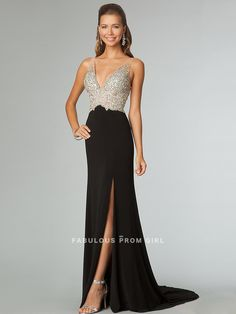 A-line V-neck  Beading  Sleeveless Floor-length Chiffon Prom Dresses / Evening Dresses