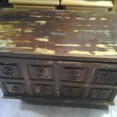 Restauração de móveis e decorações VC encontra na Cia da arte!!! Orçamento whats (67)9114-5576 #rustico #estilodemolição #vintage #lacaautomotiva by ateliedomovel
