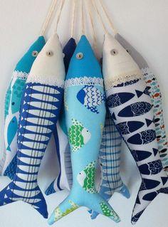 Artículos similares a Handmade traditional Portuguese sardines in fun, contemporary fabrics. en Etsy