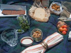 Packing a Picnic http://violetmeyer.com/packing-a-picnic/?utm_campaign=coschedule&utm_source=pinterest&utm_medium=VioletBites%20(victuals%20%26amp%3B%20libations)&utm_content=Packing%20a%20Picnic #howto #picnic #snacks #summer