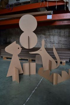 cardboard art kids beautiful build your own story cartoneria escenog utileria of cardboard art kids Cardboard Animals, Cardboard Furniture, Cardboard Crafts, Paper Crafts, Victorian Dollhouse, Diy For Kids, Crafts For Kids, Cardboard Design, Cardboard Sculpture