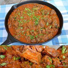 Tocăniță ardelenească de vițel cu ceapă, paprika și usturoi. 🌶🌶🌶 Carne fragedă şi sos extra aromat ❤ #savoriurbane #retetanoua  _____🌶🍽🌶_____ Reteta pe savoriurbane.com _____🌶🍽🌶_____ #veal #vealstew #hungarianstew #paprikash #paprika #tocanita #vitel #papricas #onmyplate