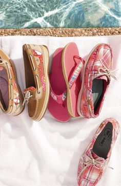 ok these are the cutest sperry's i've seen yet!!