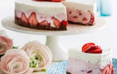 Raikas rahkakakku ( No bake strawberry cheesecake) Baking Recipes, Cake Recipes, Baked Strawberries, Just Eat It, Recipes From Heaven, Amazing Cakes, Love Food, Sweet Tooth, Food And Drink