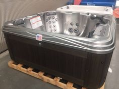 The new colour Winter Solstice Metallix in the Nevis Salt Water Spa has arrived at Endless. What do you think? Spa Accessories, Outdoor Spa, Winter Solstice, Salt And Water, Bathtub, Colour, Standing Bath, Color, Bathtubs