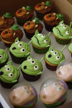 Toy Story might not be the geekiest movie ever, but it is still a pretty good movie and definitely worthy of having some cupcakes made for it. Speaking of Toy Story cupcakes, somebody made these delicious looking cupcakes including the Read More . Disney Cupcakes, Alien Cupcakes, Toy Story Cupcakes, Toy Story Cookies, Toy Story Birthday Cake, Toy Story Party, 2nd Birthday, Toy Story Food, Birthday Ideas