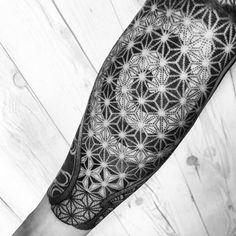 Dotwork pattern by Nissaco
