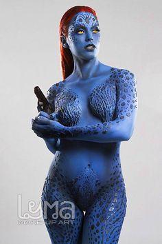 Nadyasonika es Mystique cosplay