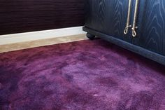 Proiect realizat de Carpet&More - Resedinta Craiova.  Descopera intregul portofoliu! #design #purplecarpet #contrast  #Carpet&More Rugs, Design, Home Decor, Farmhouse Rugs, Decoration Home, Room Decor, Home Interior Design, Rug