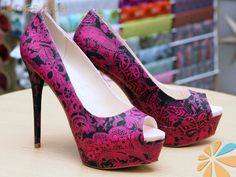 Shoes, high heels, stilettos DIY decorated with Decopatch paper