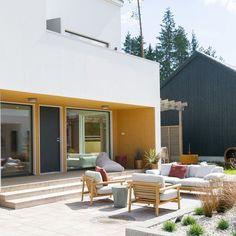 """Kerttu Pylvänäinen on Instagram: """"On talounelmia ja unelmataloja 💫 Tämä on Asuntomessujen Designtalo Puro, joka ihastutti oivaltavalla tilankäyttöä (125 m2) ja @mikkotoppala…"""""""