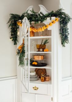 How To: Dry Oranges and Make Dried Orange Garland Minimal Christmas, Natural Christmas, Cozy Christmas, Christmas Kitchen, Christmas Bedroom, Christmas Ideas, Simple Christmas, Christmas Stairs, Christmas Colors