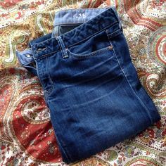 Gap 1969 jeans 28/6r Gap 1969 jeans 28/6r. They are worn and show wear around bottom hem- but that adds character right? :) Good condition otherwise. Inseam is 31 inches.. GAP Jeans Straight Leg