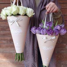 Flowers Gift Arrangement 17 Ideas For 2019 flowers is part of Flowers bouquet gift - Bouquet Wrap, Diy Bouquet, Flower Box Gift, Flower Boxes, Fleur Design, How To Wrap Flowers, Flower Wrap, Flower Packaging, Pretty Packaging
