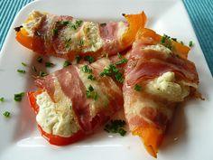 Frischkäse - Paprika - Schiffchen im Speckmantel, ein schönes Rezept aus der Kategorie Gemüse. Bewertungen: 320. Durchschnitt: Ø 4,6.