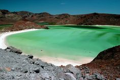 Playa Balandra, La Paz, Baja California Sur, México. By rigol.