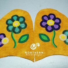 Native American Crafts, Native American Beadwork, Beading Ideas, Beading Projects, Native American Moccasins, Aboriginal Artwork, Beaded Moccasins, Indian Tribes, Bead Jewellery