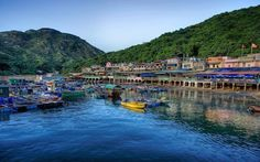 From a traditional Chinese fishing village to a laid-back multicultural community to verdant nature, there's so much to explore on Lamma Island! #hongkong #travel https://www.chinatouradvisors.com/blog/Explore-Lamma-Island-3325.html