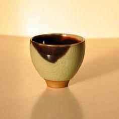 -和光- 开片青釉蓝釉杯 Andre Wicky制于景德镇 高8cm  Andre Wicky.