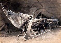 Viking ship Viking Tribes, Germanic Tribes, Viking Life, Viking Warrior, Viking Longboat, Norse People, Norwegian Vikings, Viking Culture, Wooden Boat Building