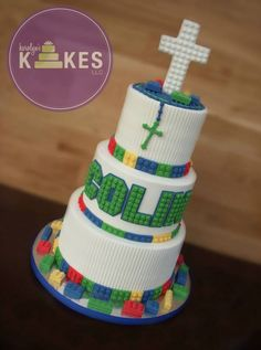 Lego Communion KAKE! The whole cake is iced in buttercream. Legos, Rosary and Cross are marshmallow fondant.