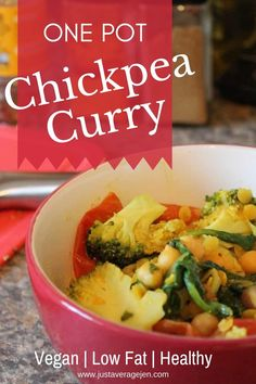 A hearty, warming curry is a dish sure to help you cosy up in the midst of a surprise storm outside. Most chickpea curry recipes employ a lot of different, high-fat ingredients to ensure they deliver flavour, but this one doesn't! Perfect for a slow cooker or crock pot, or simply make on the hob. #chickpeacurry #curry #healthy #slimmingworld #lowsyn #synfree #weightloss #healthy #lowcalorie Curry Recipes, Vegetarian Recipes, Healthy Recipes, Vegan Vegetarian, Slimming World Diet, Slimming World Recipes, Healthy Foods To Eat, Healthy Snacks, Syn Free Food