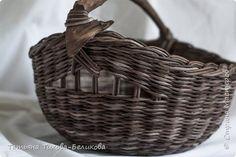 Поделка изделие Плетение Сестричка предыдущей корзинки Бумага газетная фото 2