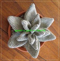 agave uncinetto Origami Flowers, Origami Art, Crochet Diagram, Free Crochet, Crochet Stitches, Crochet Patterns, Crochet Bouquet, Crochet Cactus, Knitted Flowers