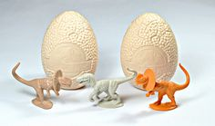 Jurassic Park Eggs - You got sweets and a toy and HAD TO collect them all!