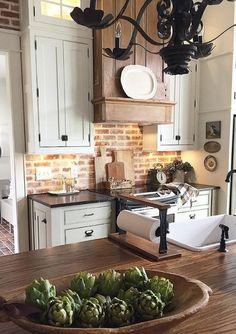 Classic Kitchen, New Kitchen, Kitchen Ideas, Kitchen Inspiration, Kitchen Designs, Kitchen Hacks, Kitchen With Brick, Exposed Brick Kitchen, Kitchen Layouts