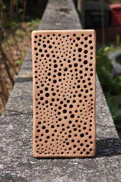 nisthilfen insektennisthilfen insektenhotel eichenbalken reinhard molke insektenhotel. Black Bedroom Furniture Sets. Home Design Ideas
