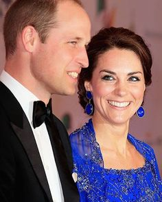 #DuchessKate looks divine in a royal-blue @jennypackham gown for a Bollywood bash in Mumbai. Tap the link in our profile to see how the special sari-inspired piece was made  Photo: Getty Images #beautifulescape by hellocanadamag #Gateway_Of_India #Mumbai #Maharashtra #India