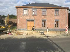 Mansions, House Styles, Medium, Home Decor, Porches, Decoration Home, Manor Houses, Room Decor, Villas