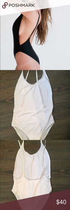White one piece bikini 💦 White one piece💦 only once tried on :) good condition👍🏽 size S. price is negotiable Swim One Pieces