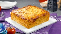 Pack The Chicken Parm Between 4 Slices Of Cheese And Wait 25 Minutes – Yummy! Spaghetti Noodles, Baked Spaghetti, Breaded Chicken Cutlets, Homemade Marinara, Melted Cheese, Italian Recipes, Good Food, Stuffed Peppers, Ethnic Recipes