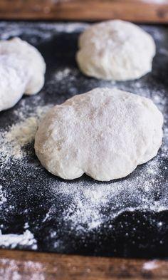 Pitsapohja   Maku Griddle Pan, Hamburger, Pizza, Bread, Cookies, Desserts, Recipes, Koti, December