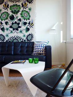 Trienna coffee table by Artek, design by Ilmari Tapiovaara. From the blog Uusi muste.